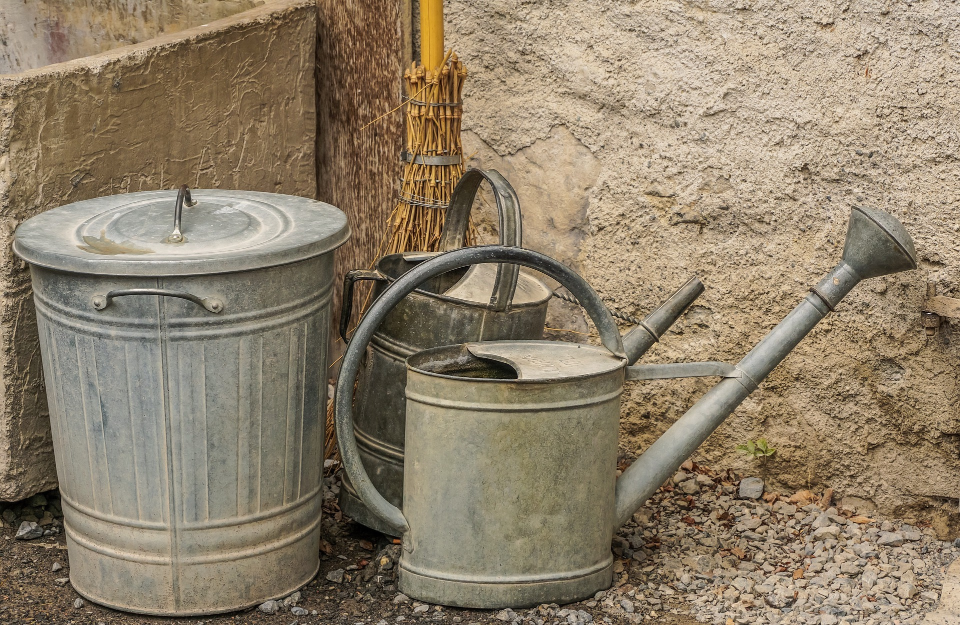 watering-can-4460456_1920